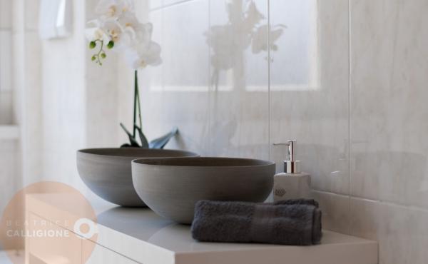 Quadrilocale via Foscolo - dettaglio bagno - Beatrice Calligione